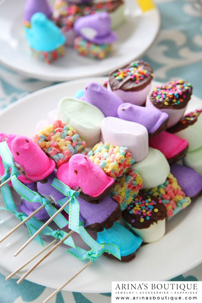 PEEPS, Easter, Easter Centerpieces, centerpieces, spring, spring has sprung, easter party, PEEPS party, peeps party, I love Peeps, Peeps recipes, Peeps crafts, crafting with Peeps, Peeps cupcakes, cupcakes, bunnies, Peeps skewers, Rice Krispie treats,